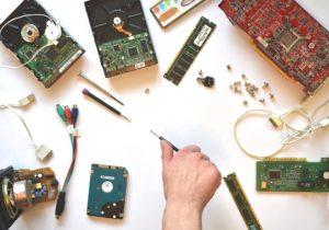 Service-Hardware-Electronics-Repair-Computer-CC0 Public Domain